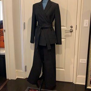 Black two piece, wide leg cropped pants. Elegant!